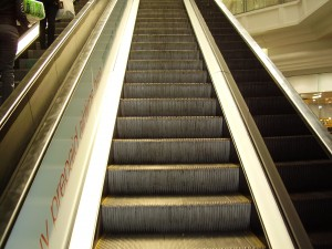 ESCALATOR CLEANING GALLERY